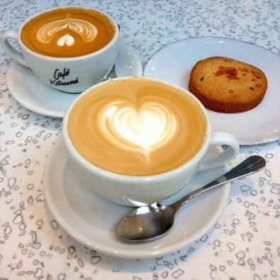 café kitsuné paris, filles du calvaire, les foodeuses, coffeeshop, flat white