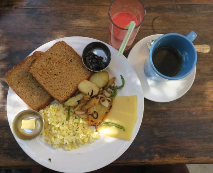 Light set breakfast