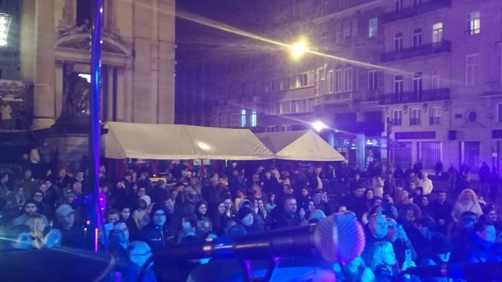 Hommage à Charles Aznavour à Bruxelles : émotion, talent et … mauvais temps