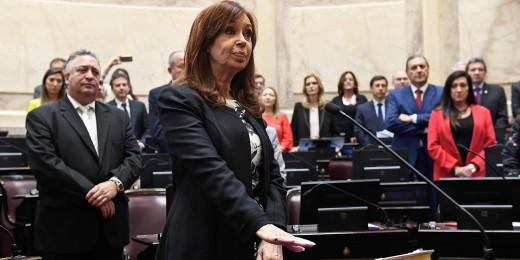 Argentine : Cristina jugée pour corruption, Macri en récession
