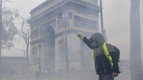 Gilets Jaunes en France, Violences graves à Paris et en régions (Les vidéos)