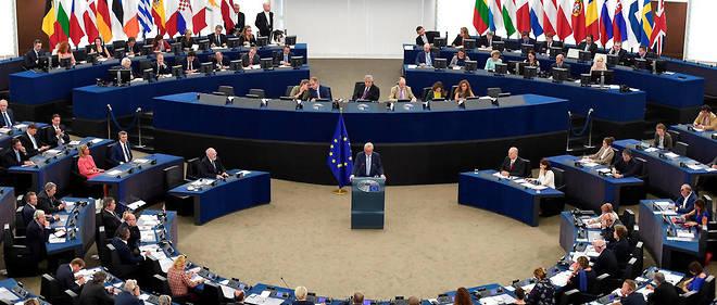 Le Parlement réclame des sanctions financières pour les pays violant l'état de droit