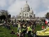 «Gilets jaunes»: mobilisations dans le calme à Paris, tensions en région
