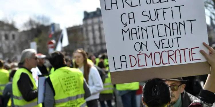 Gilets Jaunes : Baisse de la mobilisation et retenue dans les manifestations à Paris comme en régions