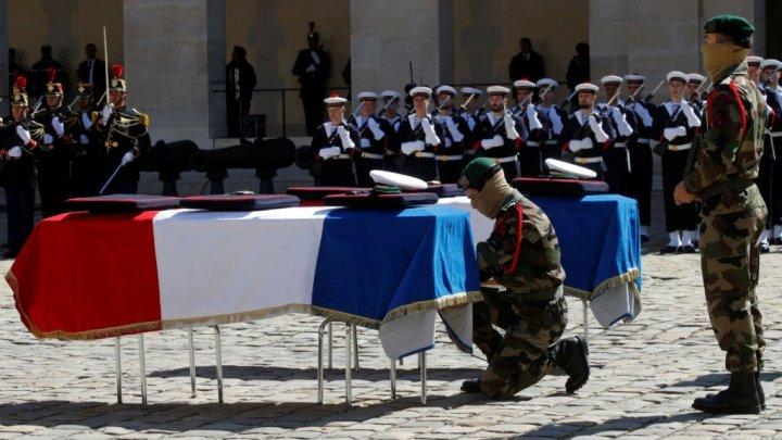 Hommage aux soldats tombés pour libérer les otages – Video