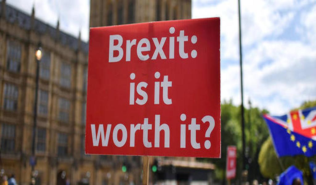 Theresa May ouvre la porte à un second référendum