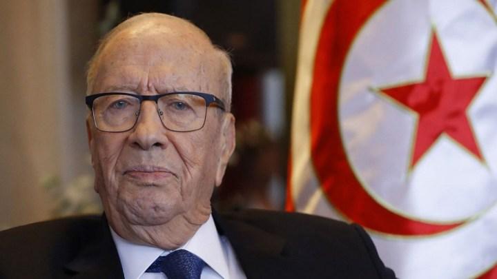 Tunisie : hospitalisation inquiétante du Président dans un climat de chaos