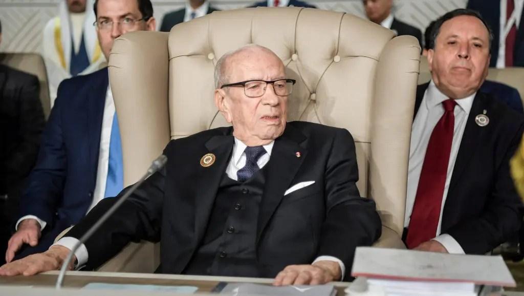 « Excusez-moi de ne pas être mort », sourit le Président tunisien.