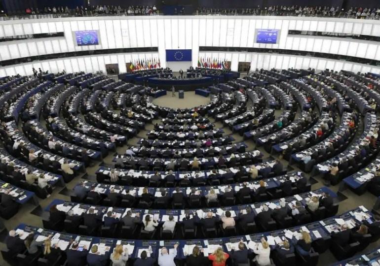 PPE et socialistes conservent leurs positions au Parlement européen