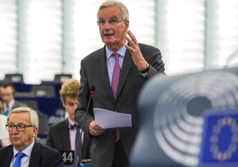 « À notre fierté d'être patriotes,  nous ajoutons une dimension supplémentaire, un élément plus solide : l'Union des européens, et l'action commune des européens » - Michel Barnier à un député britannique Brexiter