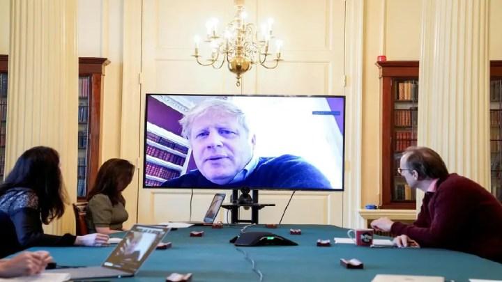 Boris Johnson en soins intensifs: le ministre des Affaires étrangères désigné pour assurer l'intérim