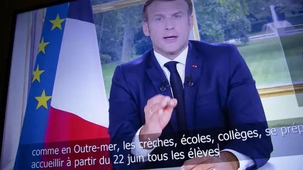 """""""Tout ne peut pas être décidé à Paris, les territoires ont montré leur ingéniosité"""" pendant la crise du coronavirus, """"faisons-leur davantage confiance"""", a déclaré le chef de l'Etat dans une allocution."""