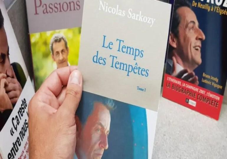 """Nicolas Sarkozy, un nouveau livre """"révélations"""""""