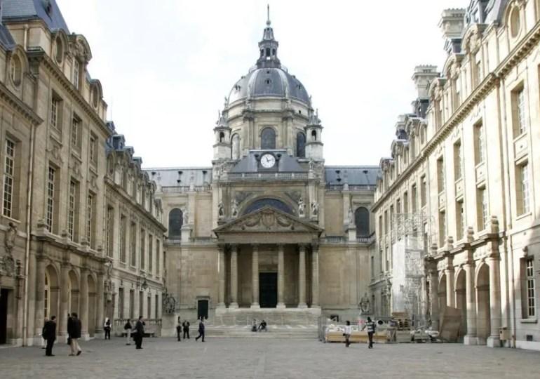 Cour de La Sorbonne, l'hommage de la Nation