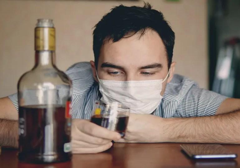 Alcoolisme : avec le confinement, difficile d'arrêter de boire