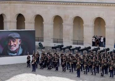 La France rend hommage à Belmondo
