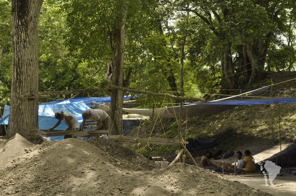 Fouilles ruines mayas, san ignacio