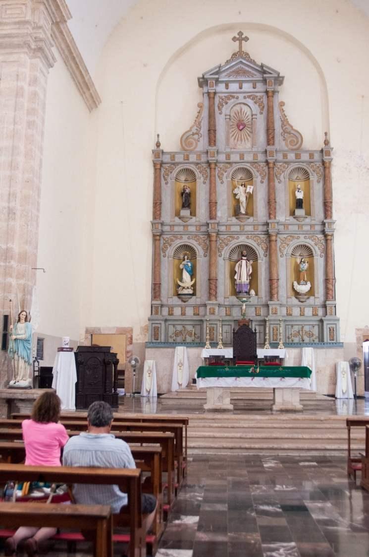 Autel de l'église