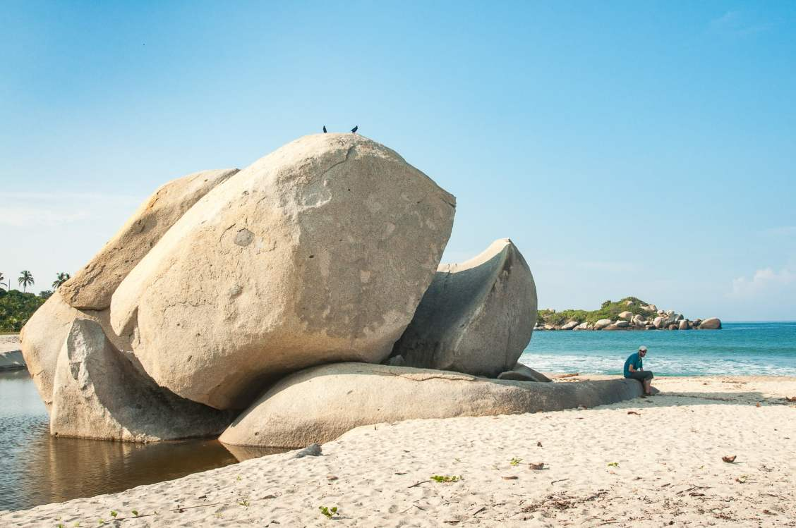 rocher plage caraïbes