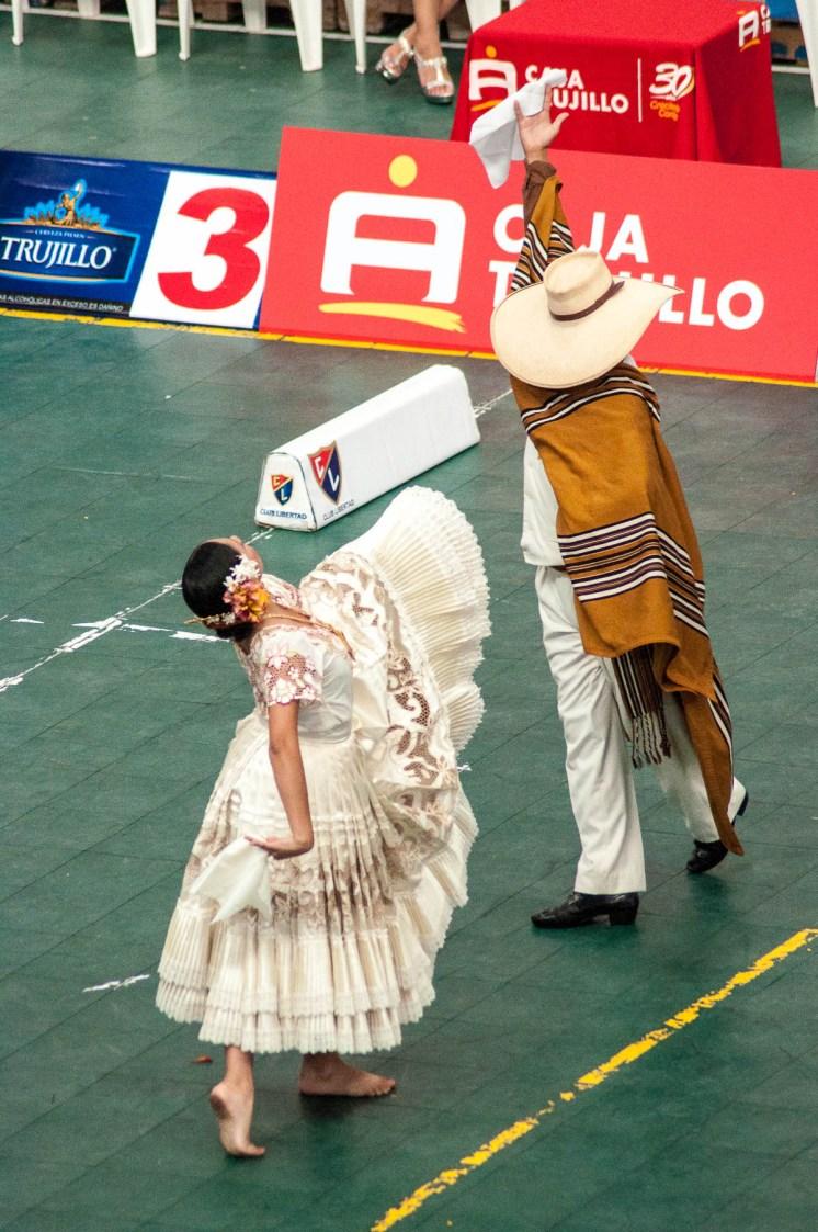 Trujillo-marinera-salut