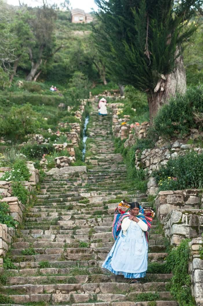 isla-del-sol-courses-escalier