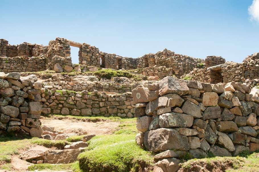 isla-del-sol-ruines