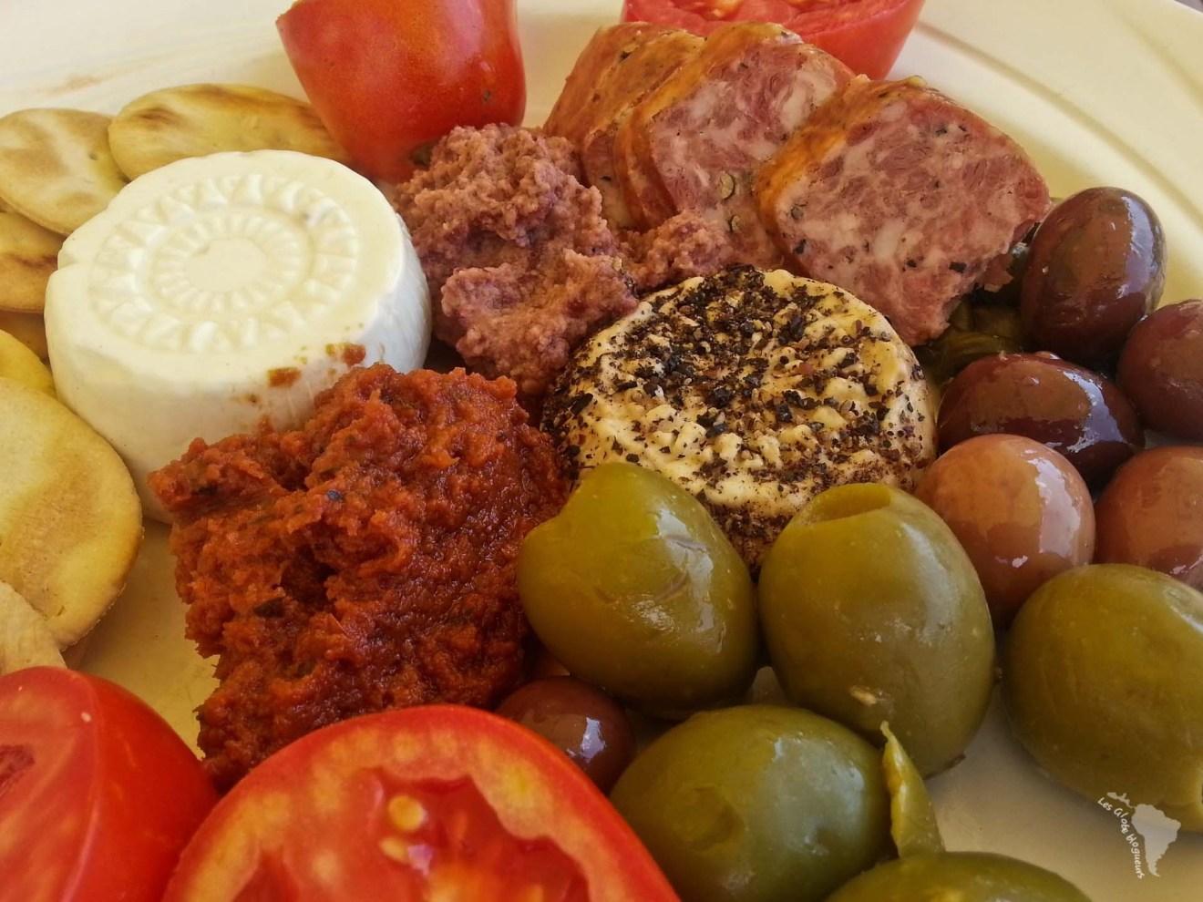 assiette gozitaine olives tomates malte