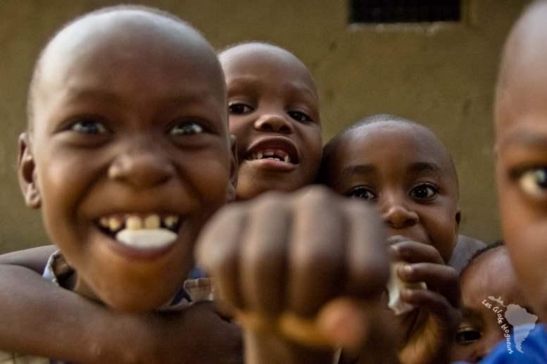 enfants tanzaniens