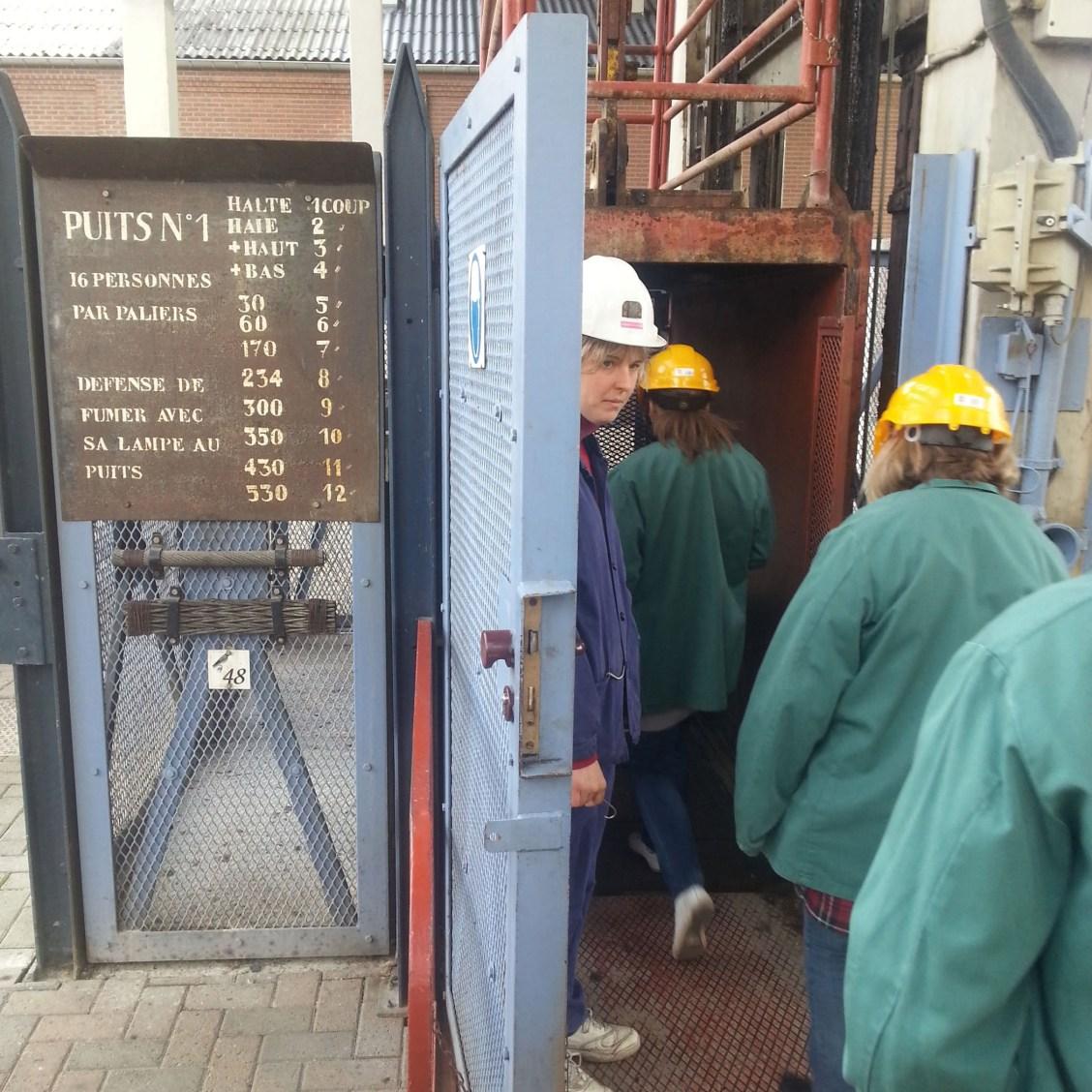 Entrée de la cage de descente du puits n°1 de Blegny Mine