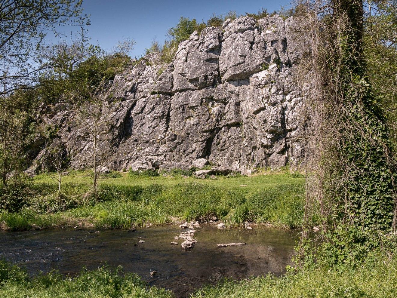 falaise calcaire canyon de saulges