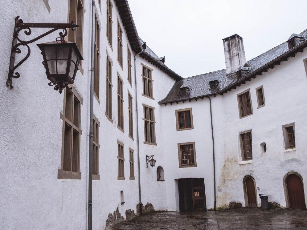 Cour du château de Clervaux