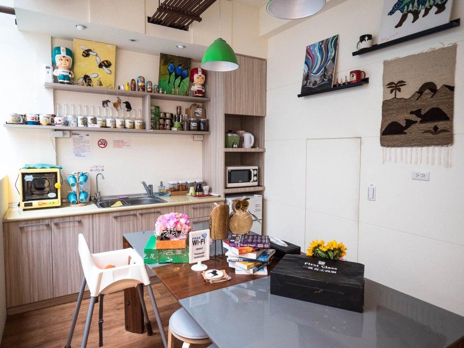 SML 5 boats kitchen