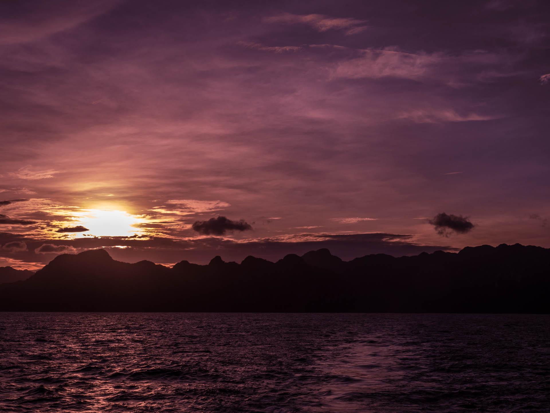 Coron coucher de soleil