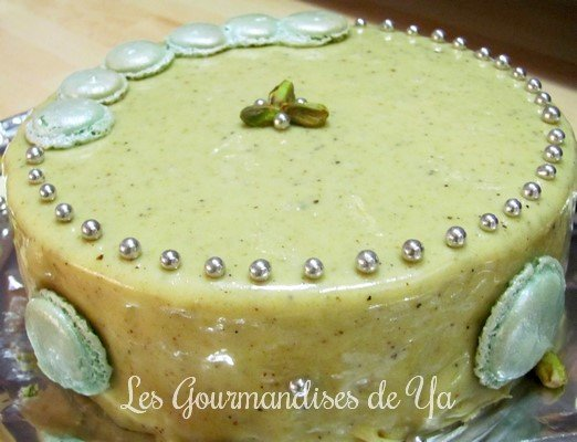 Gâteau Macarons Pistache – Chocolat