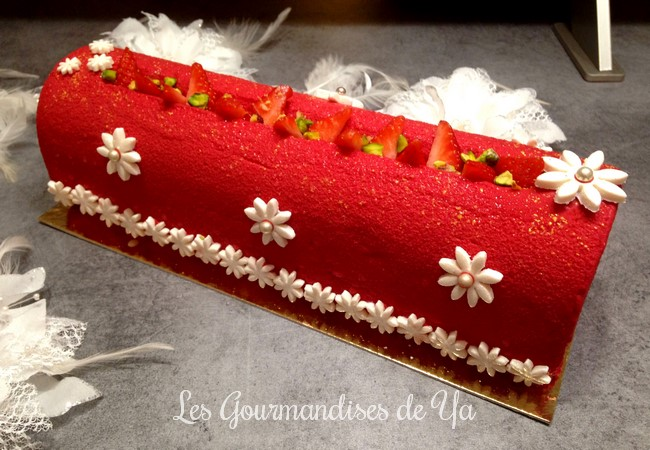 Bûche fraisier LGY 01