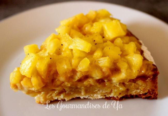 Part de la tarte amandine ananas et caramel