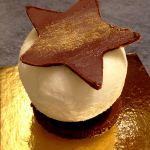 Sphère ananas et caramel au beurre salé sur croustillant chocolat praliné LGY