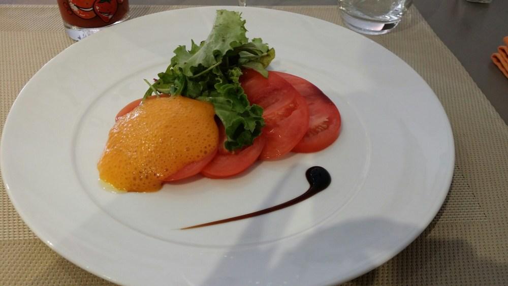 Emulsion et carpaccio de tomates coeur de boeuf...