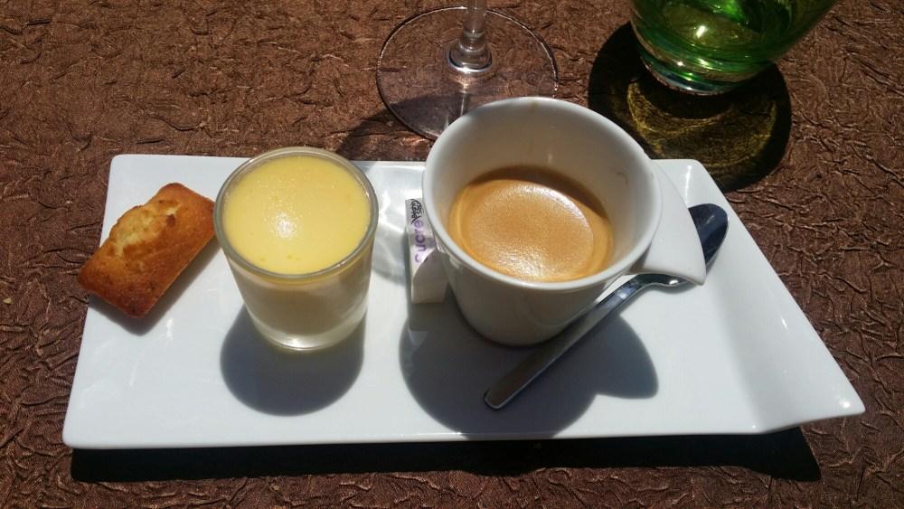 Petit café et sa crème à l'orange.