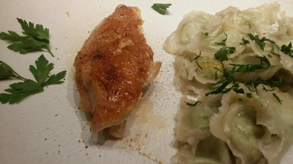 Ravioles et filet de poulet.