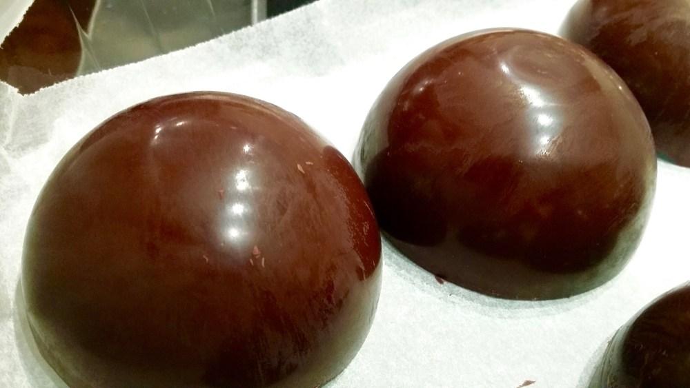 1/2 sphères en chocolat.