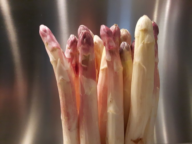 Asperges blanches.