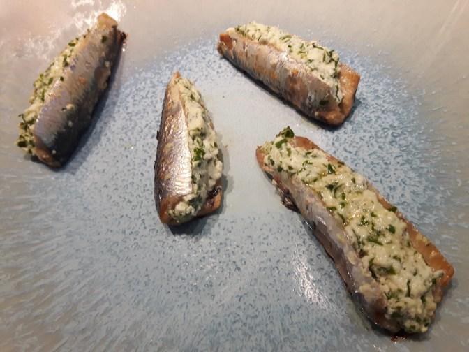 Sardines grillées à la brousse.