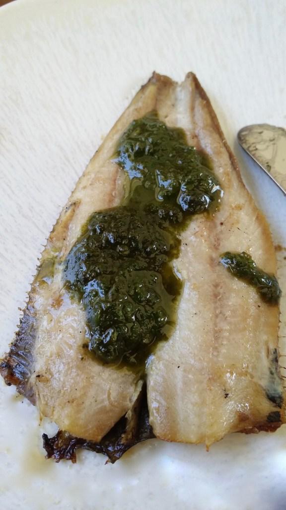 Pesto au basilic et filets de sardines.