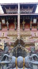 Temple vishnouite au coin d'une rue