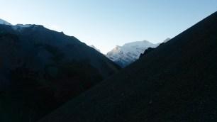 Le soleil se lève lors de notre ascension