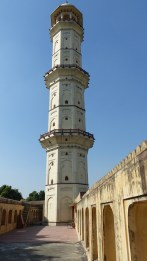 Le minaret Iswari Minar Swarga Sal