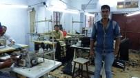 Une fabrique de costumes, dans les ruelles des bazars