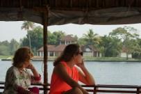 Les resorts luxueux alignés sur le bord des canaux laissent rêveur