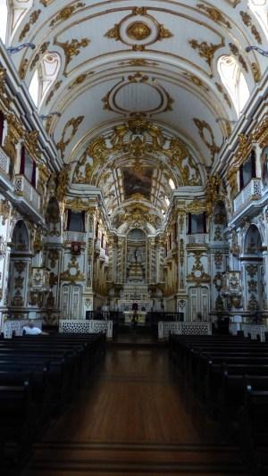 L'intérieur de l'église Nossa Senhora do Carmo da Antiga Sé